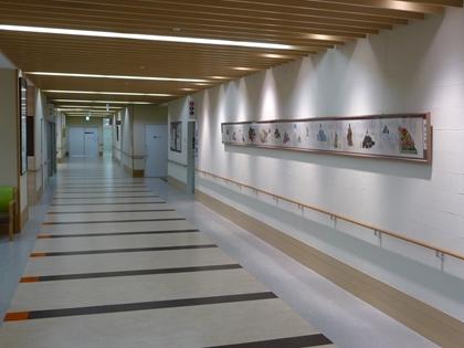 幅の広い廊下